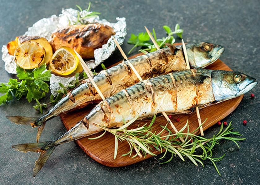 Grilled mackerel with lemon recipe